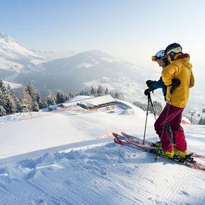 Ski fahren unter Freunden